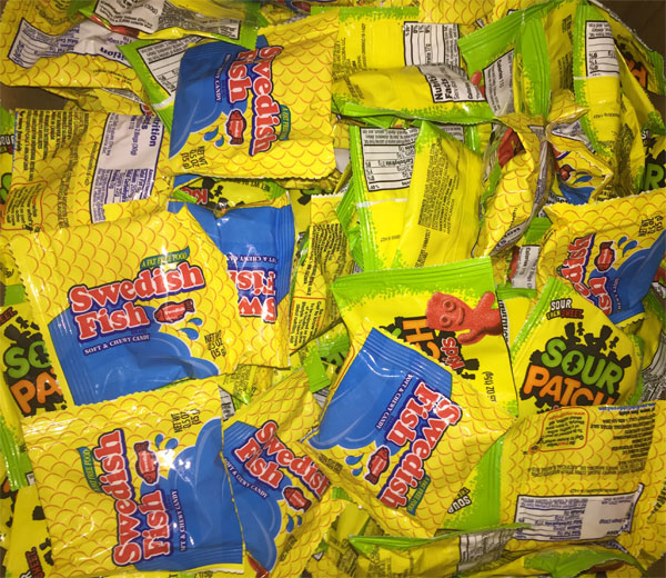 Swedish fish and sour patch kids fun size mix candy 13 lbs for Swedish fish bulk